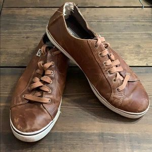 UGG men's leather sneakers. Vintage. Size 10.